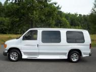 2004 Ford  Cargo