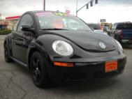 2010 Volkswagen New Beetle Base