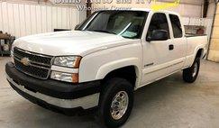 2005 Chevrolet Silverado 2500HD LS Ext. Cab Short Bed 4WD