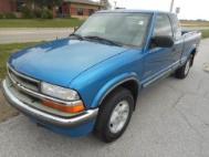 2001 Chevrolet S-10 Base