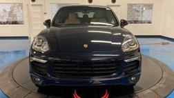 2017 Porsche Cayenne Standard