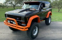 1988 Ford Bronco II H-D Themed Showstopper