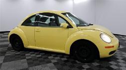 2010 Volkswagen New Beetle 2.5