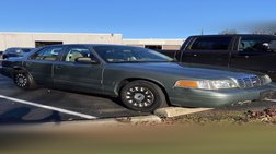 2005 Ford Crown Victoria Base
