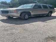 1999 Cadillac Escalade Base