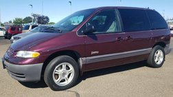 1999 Plymouth Voyager SE