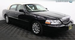 2011 Lincoln Town Car Signature Limited