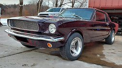 1965 Ford Mustang deluxe