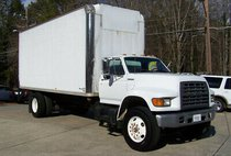 1999 Ford F-800 1-OWNER 91k 24V CUMMINS INLINE 6CYL TURBO DIESEL BOX TRUCK LIFT