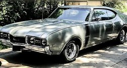 1968 Oldsmobile 2dr Holiday Coupe