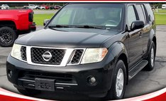 2010 Nissan Pathfinder SE 2WD
