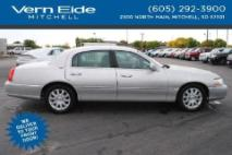 2011 Lincoln Town Car For Sale 41 Cars From 5 000 Iseecars Com