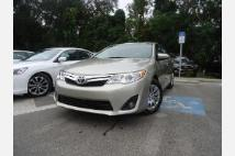 2014 Toyota Camry LEATHER. UP CAMERA
